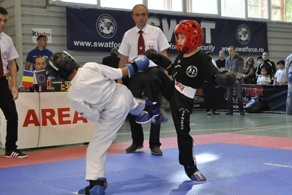freestyle kickboxing buzau.jpg